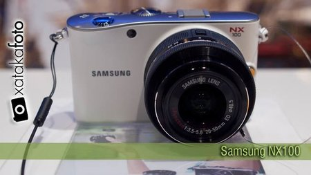 Samsung NX100, toma de contacto
