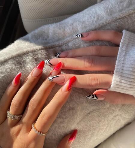 Una manicura distinta en cada mano: la fórmula perfecta para las indecisas en la que ha caído hasta Kylie Jenner