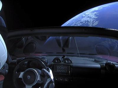 Más de 200.000 personas siguen en directo en YouTube cómo un Tesla orbita la Tierra