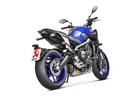 ¿Tienes una Yamaha de 900 cc? Ahora puedes decorarla con Akrapovič