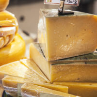 Descubre cómo se inventó el queso sintético
