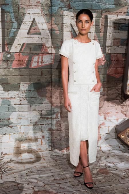 Lily Aldridge Chanel No 5