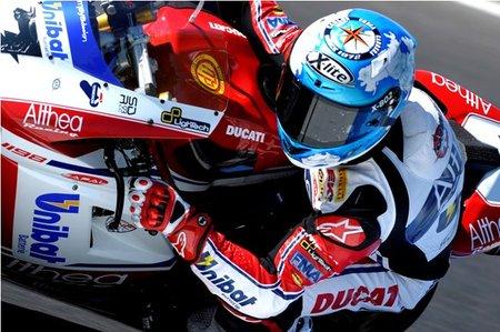Superbikes Australia 2011: Carlos Checa pone la primera piedra para hacerse con el título