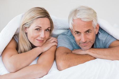 pareja-edad-canas