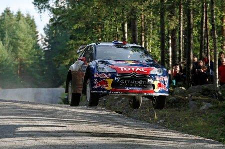 Rally de Finlandia 2012: Sébastien Loeb líder desde el inicio