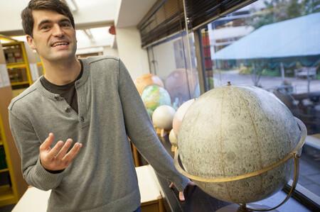 Este astrofísico de Columbia cree que la posibilidad de que vivamos en una simulación está cerca al 50% (y, aún así, podemos estar tranquilos)