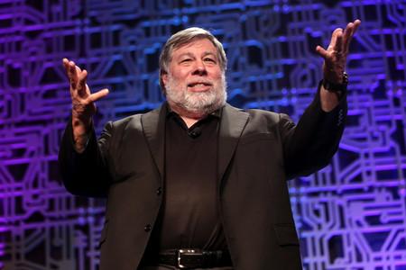Steve Wozniak demanda a YouTube tras ser utilizado en una estafa con Bitcoin y acusa a la plataforma de no impedirlo
