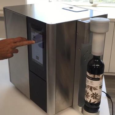Esta máquina española reduce el alcohol de cualquier vino a los grados escogidos en cinco minutos