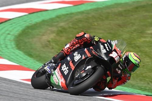 ¡Sorpresa! Lorenzo Savadori lidera sus primeros entrenamientos de MotoGP bajo la lluvia y Dani Pedrosa cumple