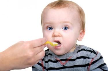 Limitan la presencia de plomo en las comidas para bebés y de arsénico en el arroz