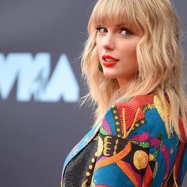 Taylor Swift recupera el power dressing más ochentero en la alfombra roja de los MTV VMAs 2019