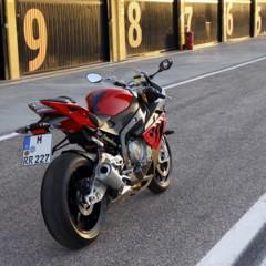 Foto 39 de 145 de la galería bmw-s1000rr-version-2012-siguendo-la-linea-marcada en Motorpasion Moto
