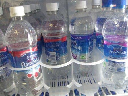 Aguas saborizadas: ¿son lo que parecen?