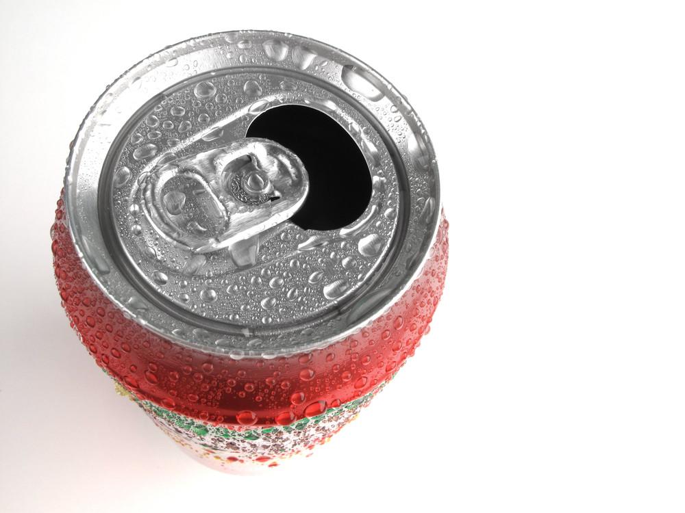 Bebidas con azúcar o con edulcorantes: ninguna es buena para tu salud