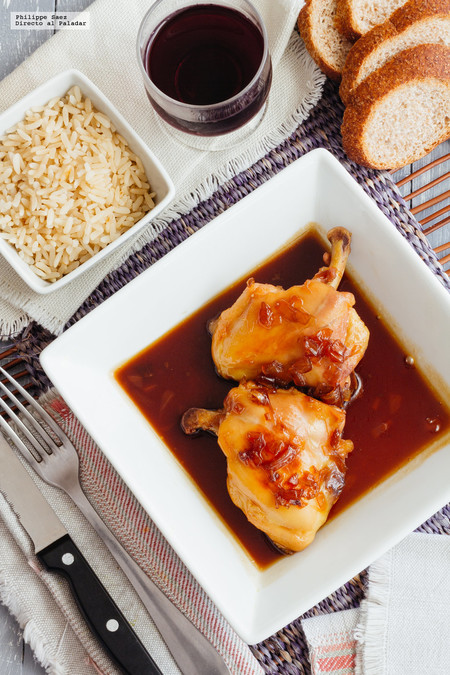 Pollo marinado con miel y salsa de soya. Receta fácil