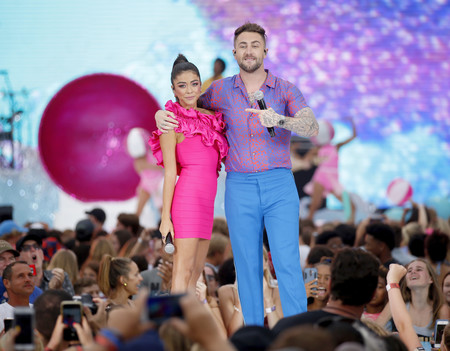 Teen Choice Awards 2019 Sarah Hyland Herve Leger