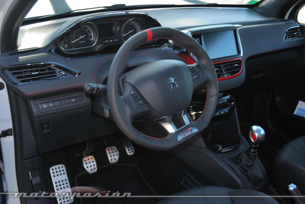 Foto de Peugeot 208 GTi (presentación) (19/42)