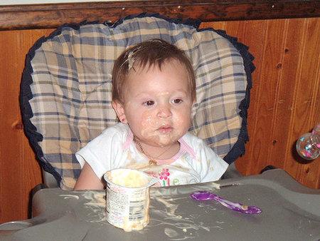 bebe-y-yogur.jpg