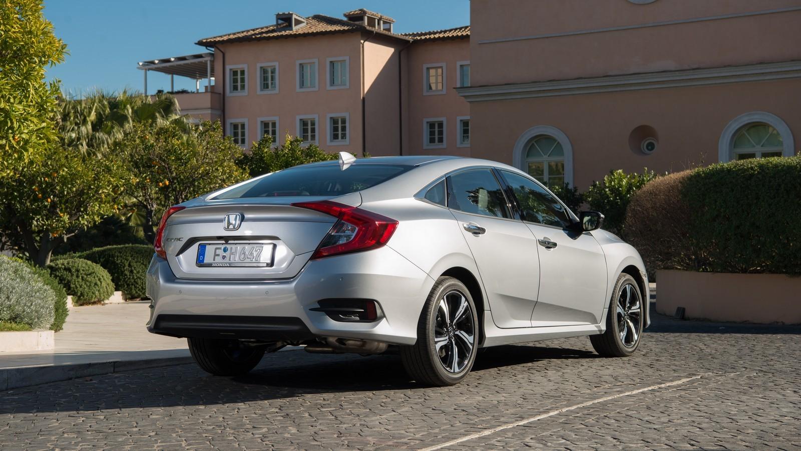 Foto de Honda Civic 4 puertas (1/37)