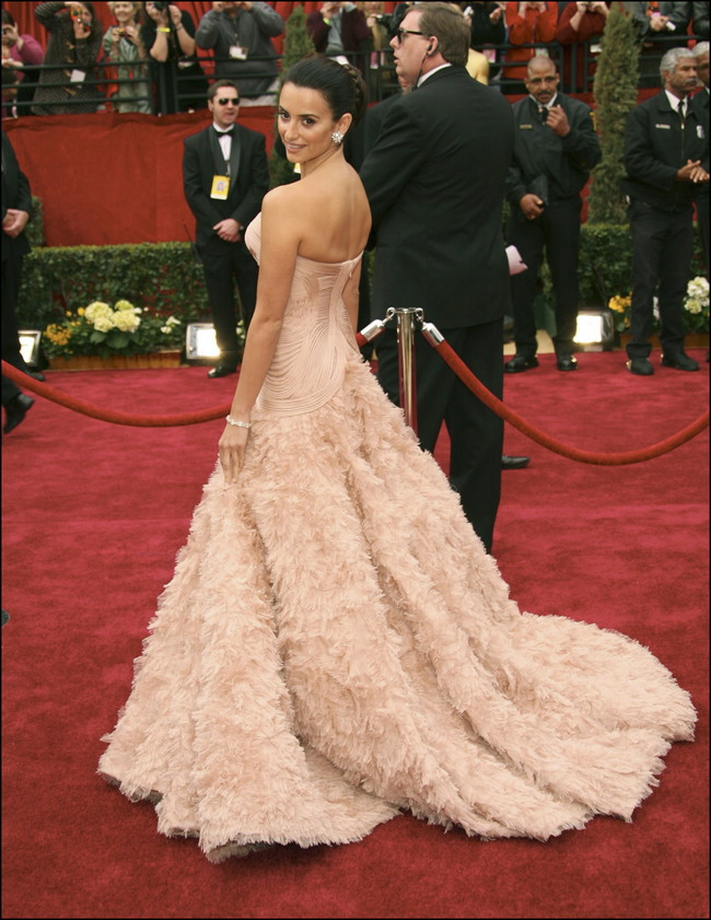 Penelope Cruz 2007 Atelier Versace