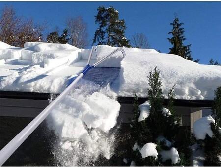 Palas, rascadores, cepillos y fundas que te pueden sacar del apuro en una nevada y cuestan poco dinero