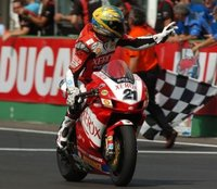 Mr. Troy Bayliss podría volver al Mundial de Superbikes