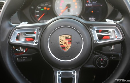 Porsche 718 Boxster S 11