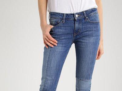 Pantalones Levi's 711 Skinny rebajados un 55% de 129,95 euros a sólo 58,95 euros y con envío gratuitos en Zalando
