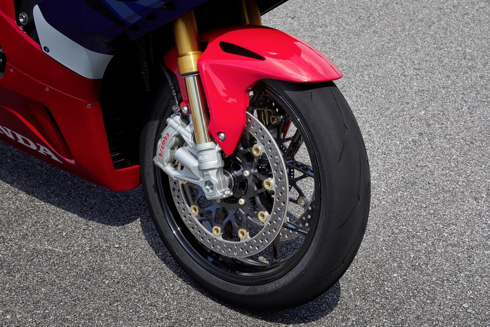 Foto de Honda CBR1000RR-R SP Fireblade 2020 (3/35)