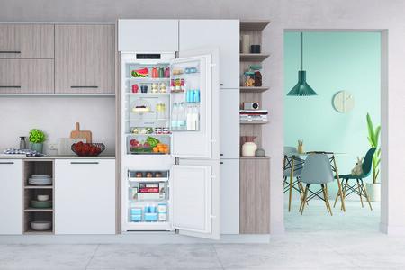 Indesit presenta nuevos frigos combi para integración: sistema Total NoFrost, función Push&Go y baldas que aguantan hasta 100 kilos