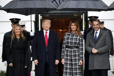 Melania Trump enamora (de nuevo) con su estilo: su mono de Chanel ha causado sensación