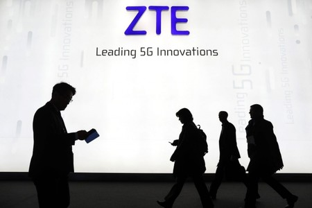 El bloqueo de ZTE por parte de Estados Unidos ya amenaza a sus usuarios: no es posible actualizar sus móviles