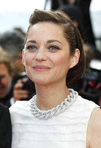 ¿Tienes una boda? Inspirate en estos tres recogidos vistos en Cannes y acertarás de pleno