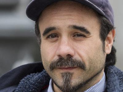 """Entrevistamos a Koldo Serra, director de 'Gernika': """"Rodar es frustración"""""""