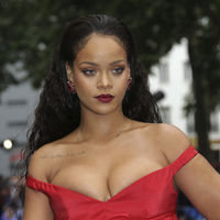 Rihanna y Cara Delevingne nos dejan sin palabras en la première de 'Valerian y la Ciudad de los mil Planetas'