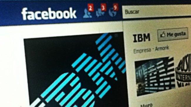 Facebook prepara sus líneas de defensa y le compra a IBM 750 patentes