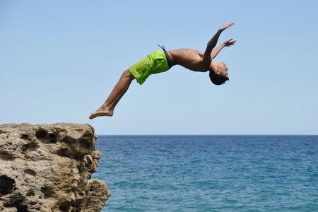 """""""Cuidado con las lesiones graves al saltar al agua"""": la advertencia a nuestros hijos adolescentes, los más propensos a sufrirlas"""
