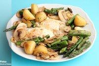 Salteado de patatas, espárragos verdes y champis. Receta