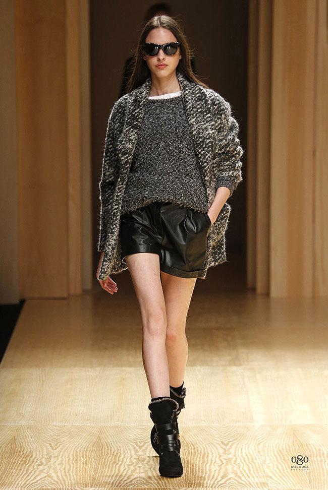 Foto de Mango abre la 080 Barcelona Fashion con su colección Otoño-Invierno 2014 y Toni Garrn (23/41)