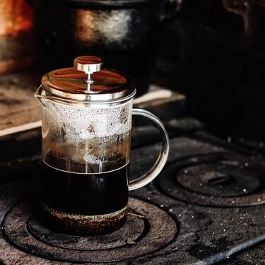 Cafeteras de émbolo: nuestro mejor aliado para preparar un café más suave (pero con cuerpo) por las mañanas