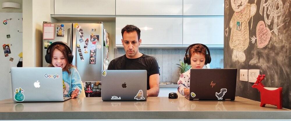 Google no pagará sueldos de Silicon Valley a sus teletrabajadores: reajustará el salario en función de dónde se ubique el empleado