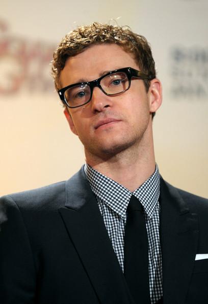 Copia el estilo trendy de Justin Timberlake para esta Navidad