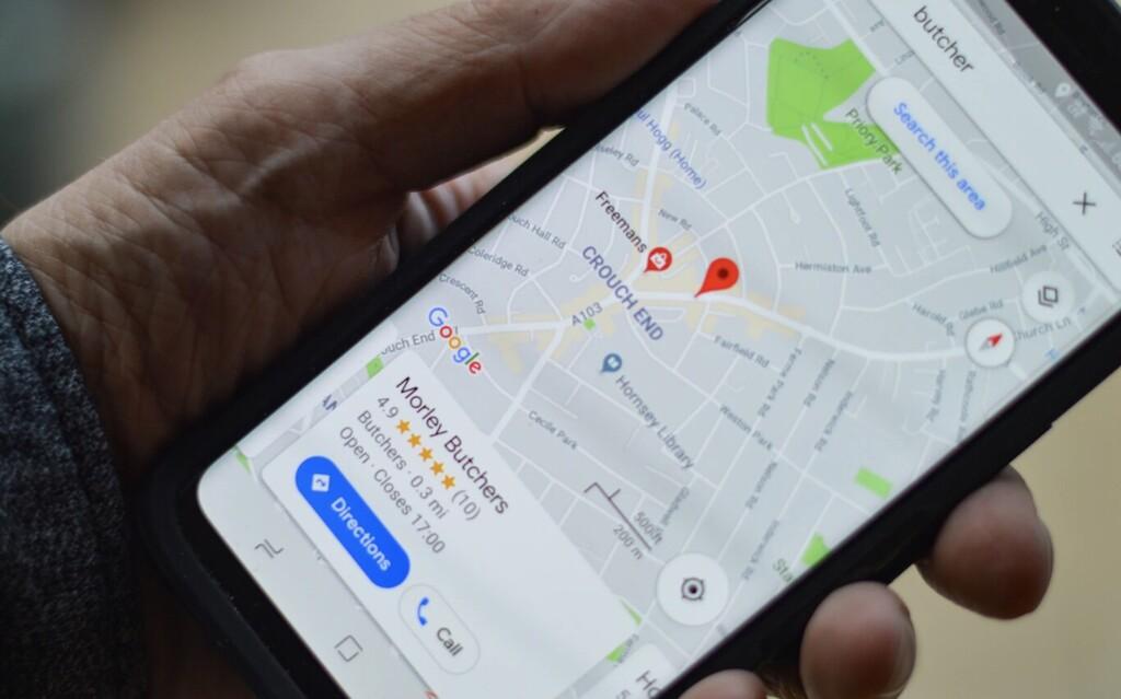 Google Maps se actualiza con navegación en interiores con realidad aumentada, rutas ecológicas y mapas del tiempo