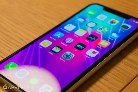 Se filtran imágenes de los supuestos paneles y memoria RAM del chip A14 del iPhone 12