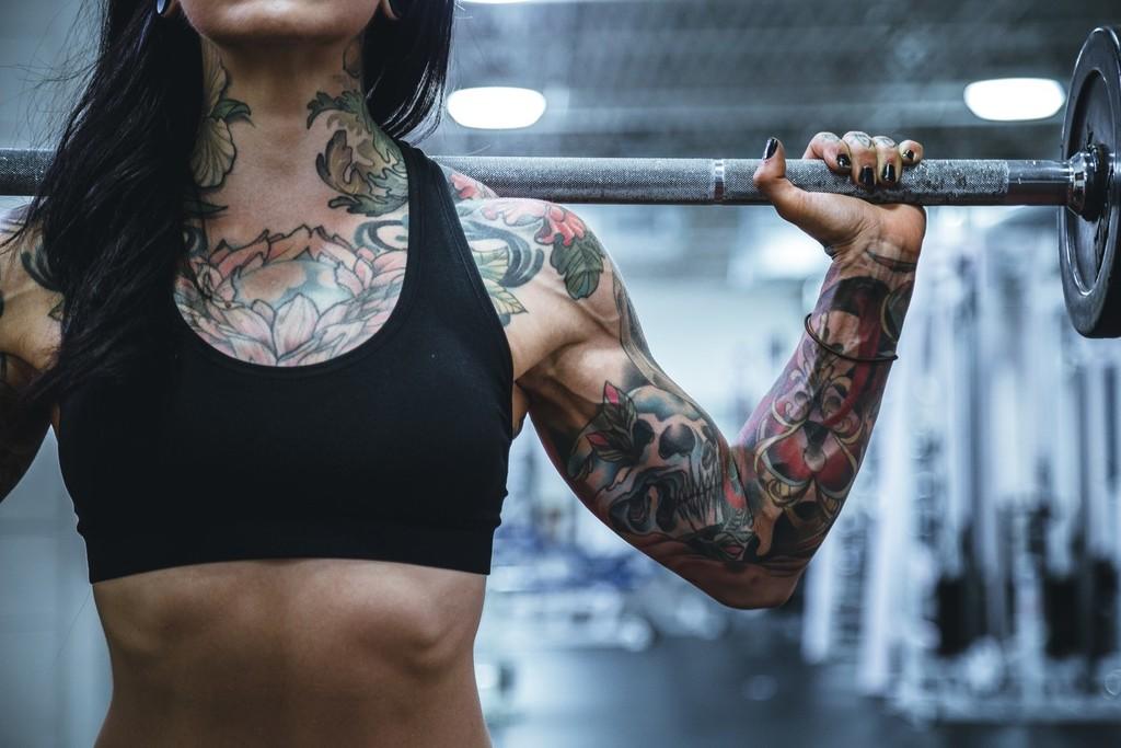 Empezar a entrenar en el gimnasio: ¿empiezo por volumen o definición?