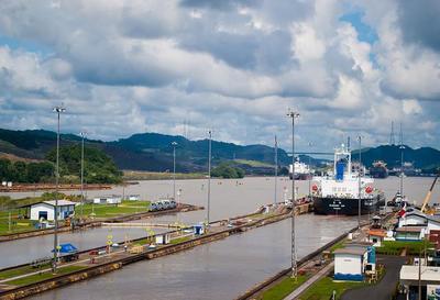 Nuevas tarifas para visitar el Canal de Panamá a partir de febrero de 2014