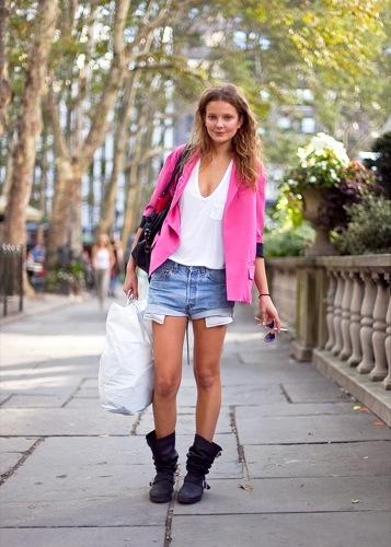 Looks de calle para estos días: vestidos e ideas para esta Nochevieja, Mihalik