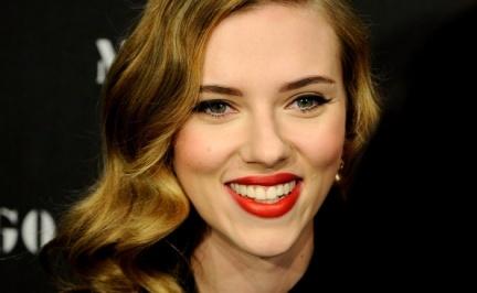 Scarlett Johansson presenta en Madrid lo nuevo de Mango entre una multitud de famosos
