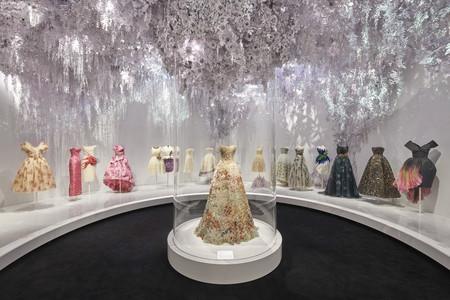 Dior V A Exhibition Scenography C Adrien Dirand 1