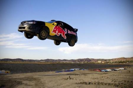 Travis Pastrana celebrará el año nuevo volando con su Subaru